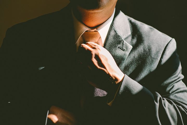 仕事を辞めるべきか、続けるべきか。辞めるべきか